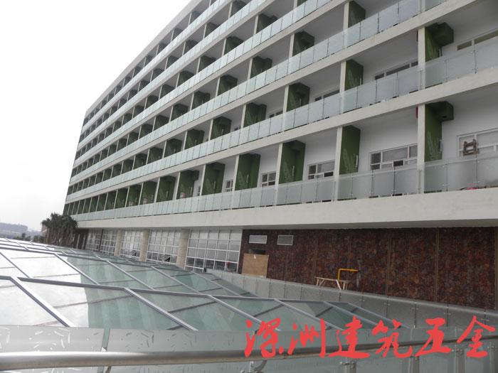 豪生酒店不锈钢工程立柱案例