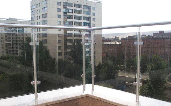 不锈钢玻璃护栏间距和高度是多少