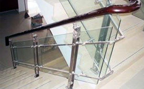 不锈钢楼梯扶手立柱现场施工方法